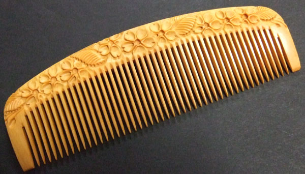 Carved boxwood comb -12cm-Cherry Blossom-