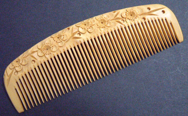 Carved boxwood comb -12cm- Ume -